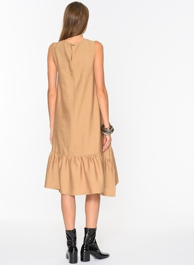 Loves You Eteği Volanlı Keten Elbise Camel